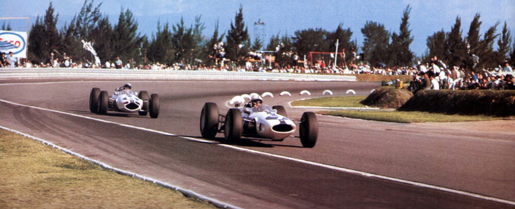 mexico-1964-surtees-and-bandini.jpg